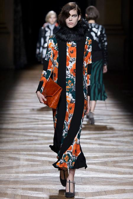 images/cast/10151882314017035=Fall 2014 COLOUR'S COMPANY fabrics x=dries van noten paris